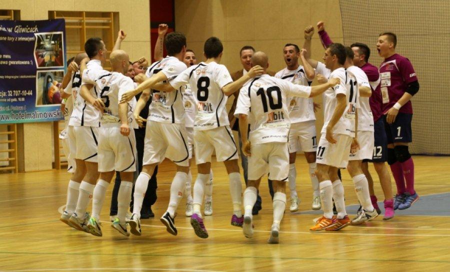 Zapraszamy na piast.gliwice.pl/futsal